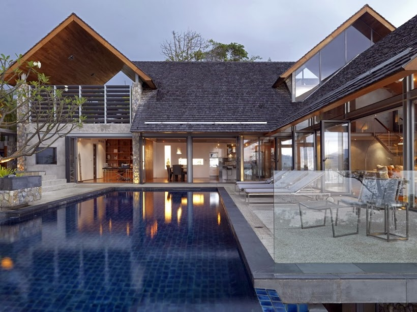 Swimming pool in Villa with contemporary Asian design