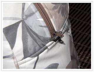 Väska blixtlåsslut med många tyglager