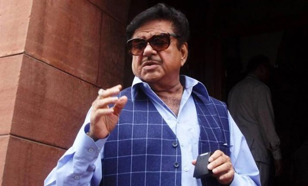 Modi-s-Critic-calls-Union-Ministers--Sycophants-Andhranews-daily.jpg