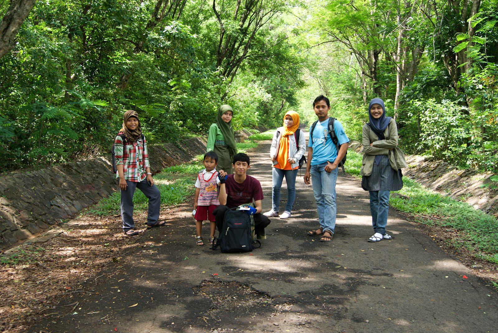 Wisata Ke Gunung Pinang Kramatwatu