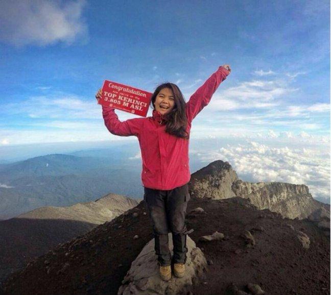 kumpulan foto cewek cantik indonesia para pendaki gunung
