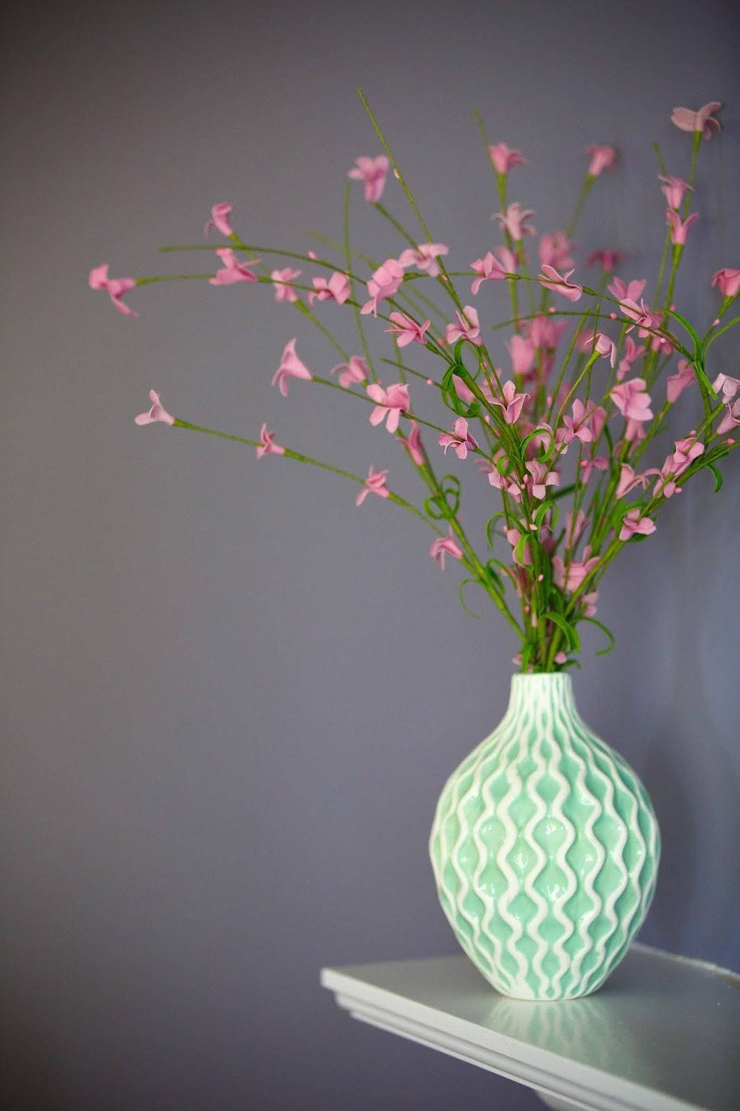 Vasen Und Schalen Aus Glas Oder Porzellan Der Farbe Türkis Eignen Sich Für  Hübsche Arrangements Mit Blumen Oder Auch Mit Anderer Deko.