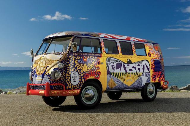 Kombi do festival de Woodstock recriada Vw-light-bus-promo