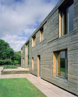 Casa pizarra y madera