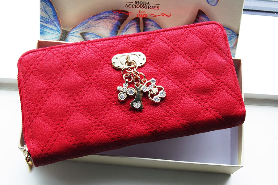 New In | Red Wallet