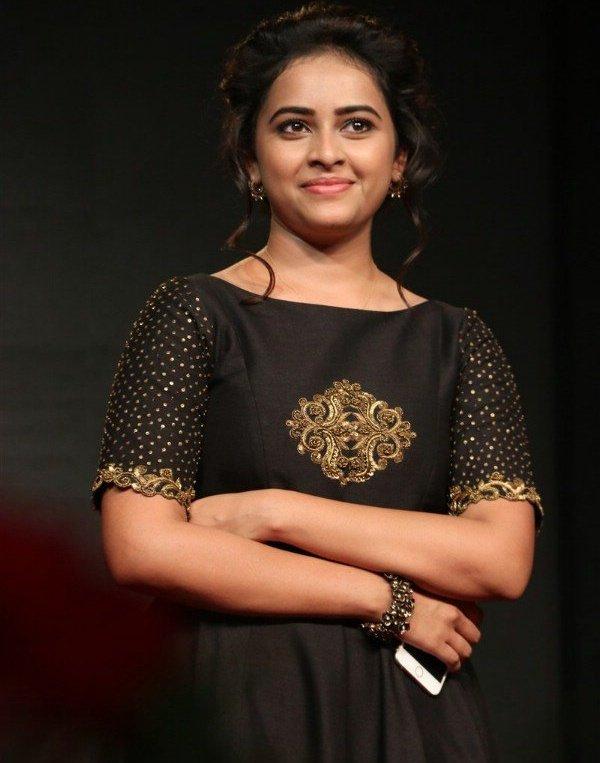 Maaveeran Kittu actress Sri Divya Latest Stills