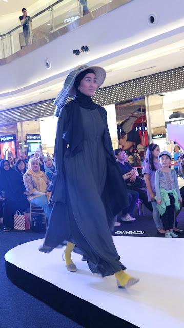 Neo in Style Fashion Show Runaway Neo Soho Mall Reborn29 Syukriah
