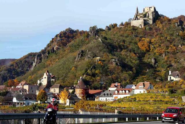 Dürnstein an der Donau © Copyright Monika Fuchs, TravelWorldOnline