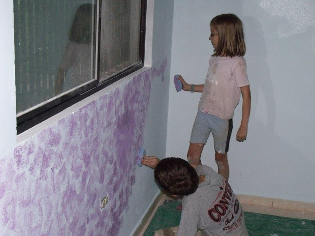 comment faire pour peindre les murs et plafonds ponge comment fait. Black Bedroom Furniture Sets. Home Design Ideas