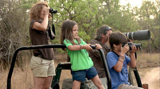 la familia de espiritu salvaje en busca de la foto perfecta