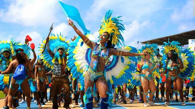 Festival Crop Over à la Barbade : Défilé Carnaval
