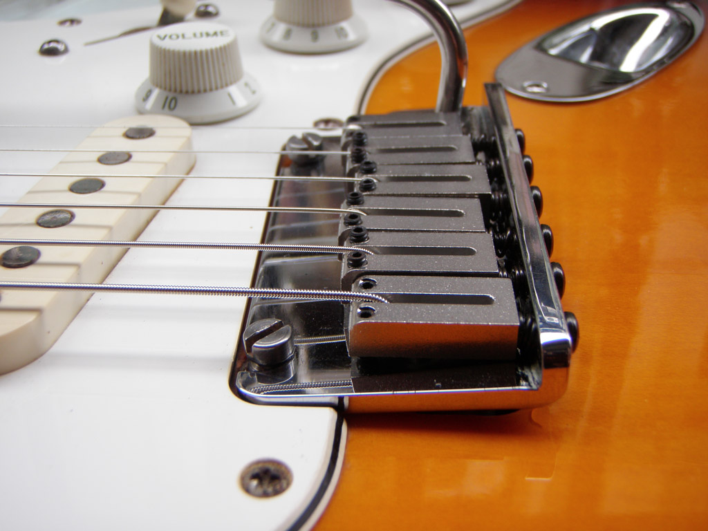 Setting up or adjusting a Fender Stratocaster tremolo | DIY Strat