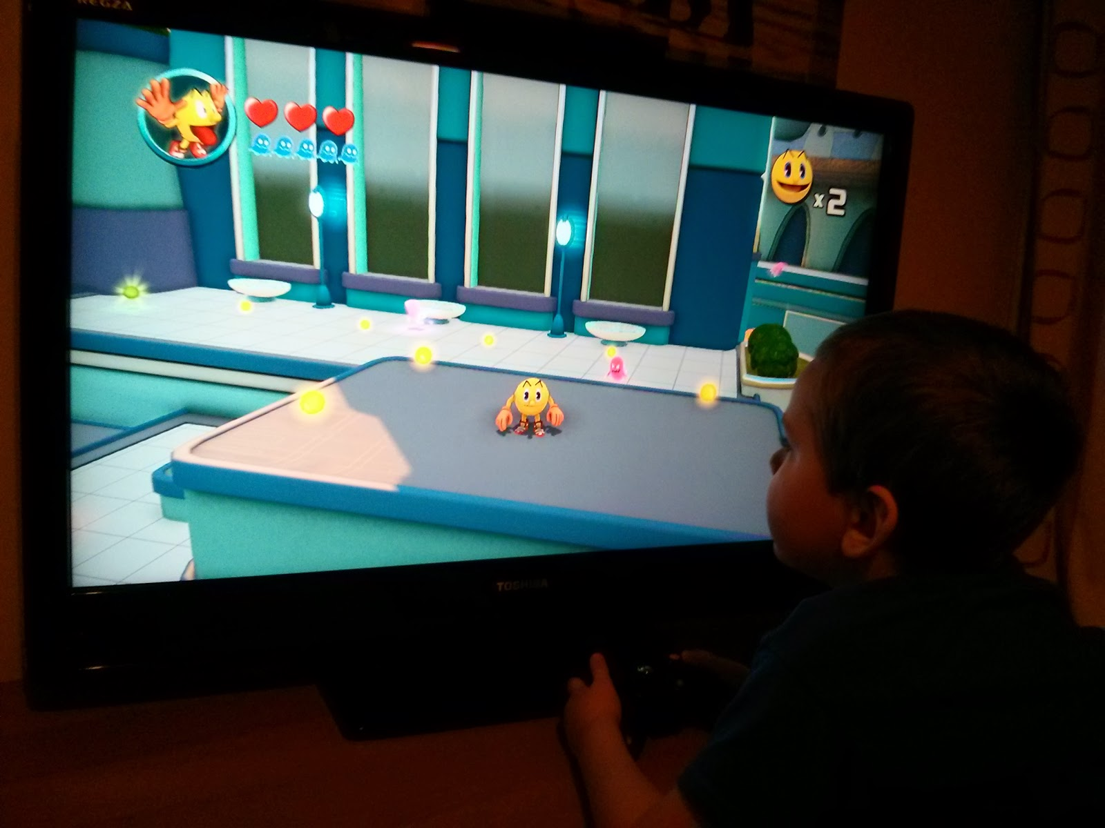 Big Boy playing PAC-MAN and the Ghostly Adventures