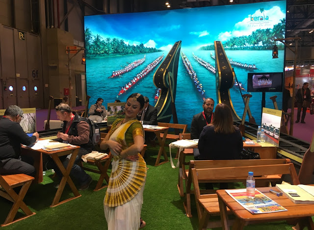 Mohiniyattom Performance at the FITUR Kerala pavilion