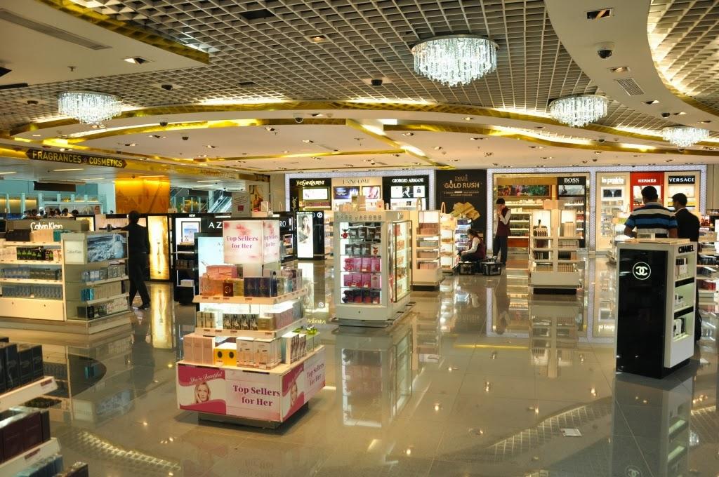f8d260b71 Delhi Duty Free Arrival Shop - Perfumes Area