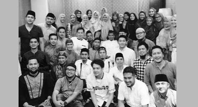 3 Jam Penuh Dengar Ceramah Ustaz Abdul Somad, Dewi Sandra mendapat Kesan Mengejutkan