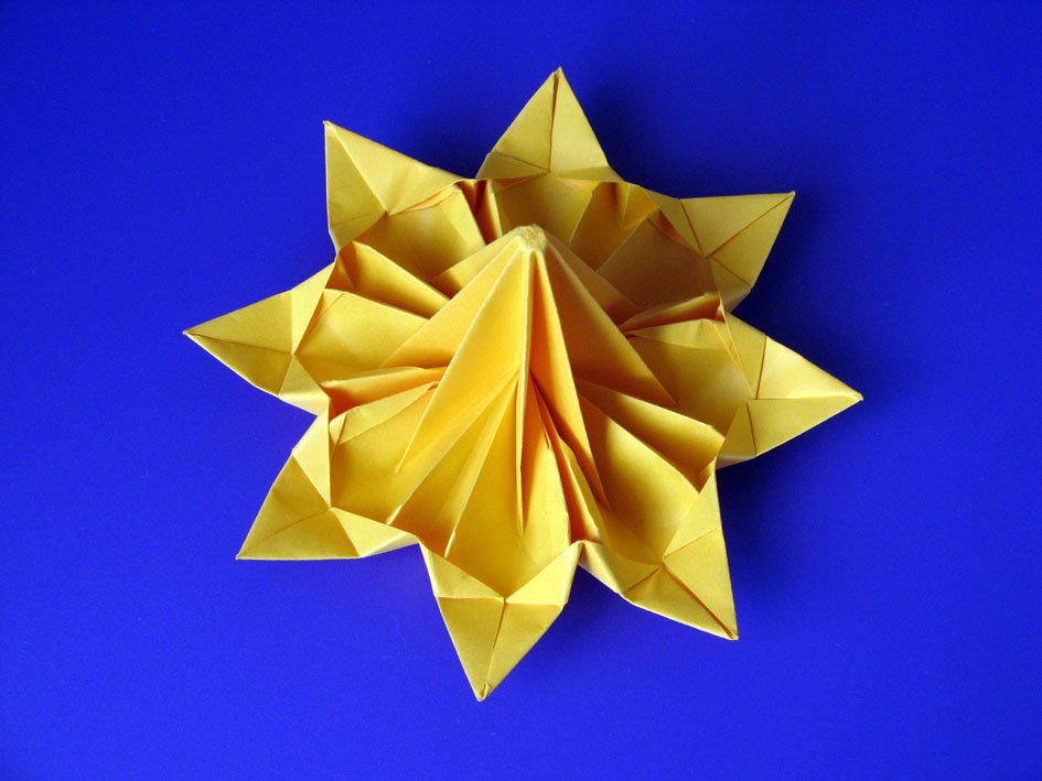 Origami Fiore Octopetalus, retro, by Francesco Guarnieri