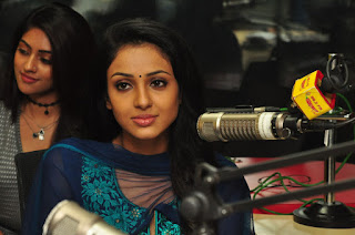 Priyashri at Majnu Movie Team At Radio Mirchi Photos