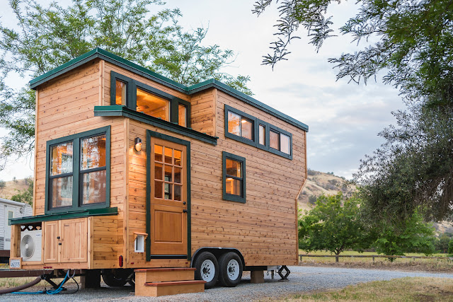 California Tiny House 1 TINY HOUSE TOWN