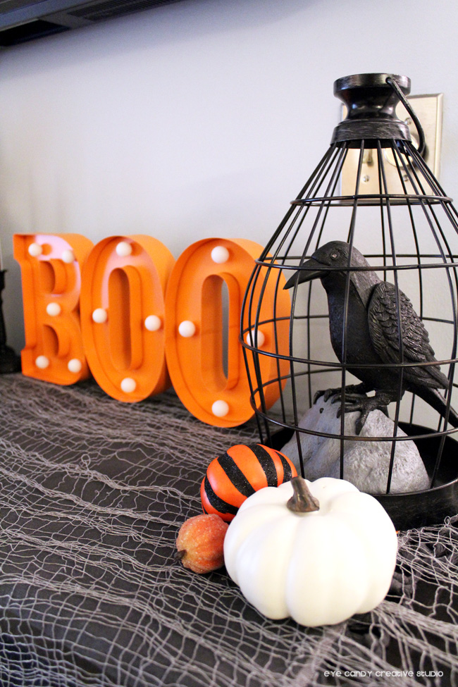 black crow, boo sign, halloween decorations, pumpkins, decorating for halloween