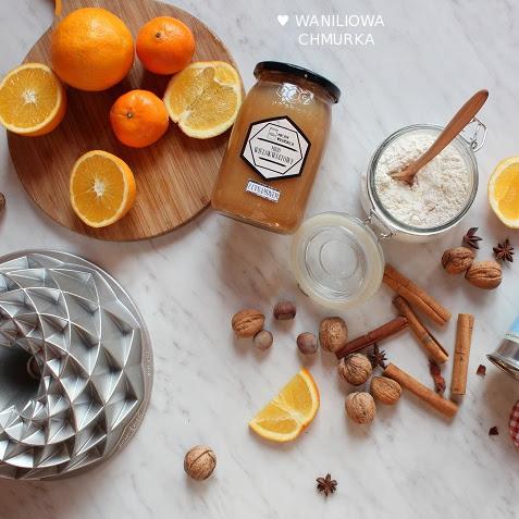 Pomarańczowa babka z korzennymi przyprawami