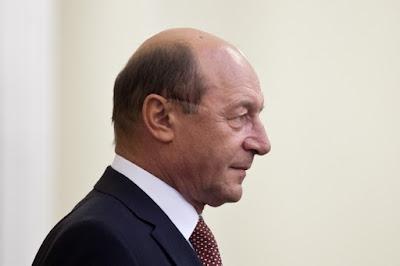 Traian Băsescu, pénzmosás, hivatali visszaélés, Románia,