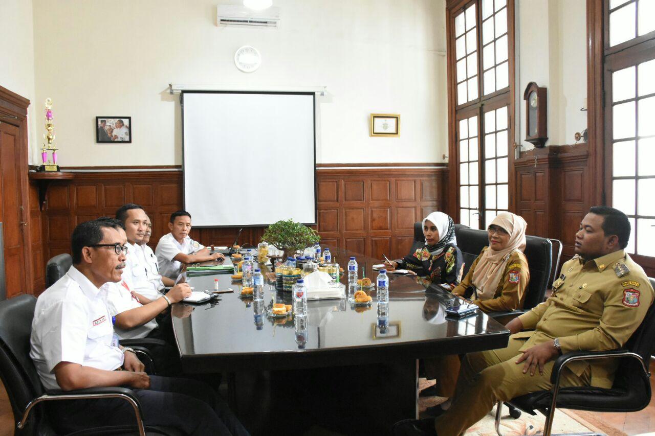 Walikota Tanjungbalai H M Syahrial dan rombongan saat berkunjung ke Kantor PT KAI Divre I Sumatera Bagian Utara dan Aceh di Medan