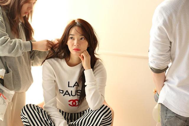 Shin min ah, biodata shin min ah, shin min a biodata, profil shin min ah, shin min a profile, drama tv sin min ah, film shin min ah, foto shin min ah, shin min a photos, 신민아.