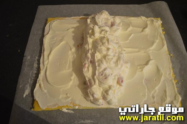 كيك رولي بالفراولة والكريم جد رائعة ولذيذة بالصور cake_roul%C3%A9e_aux