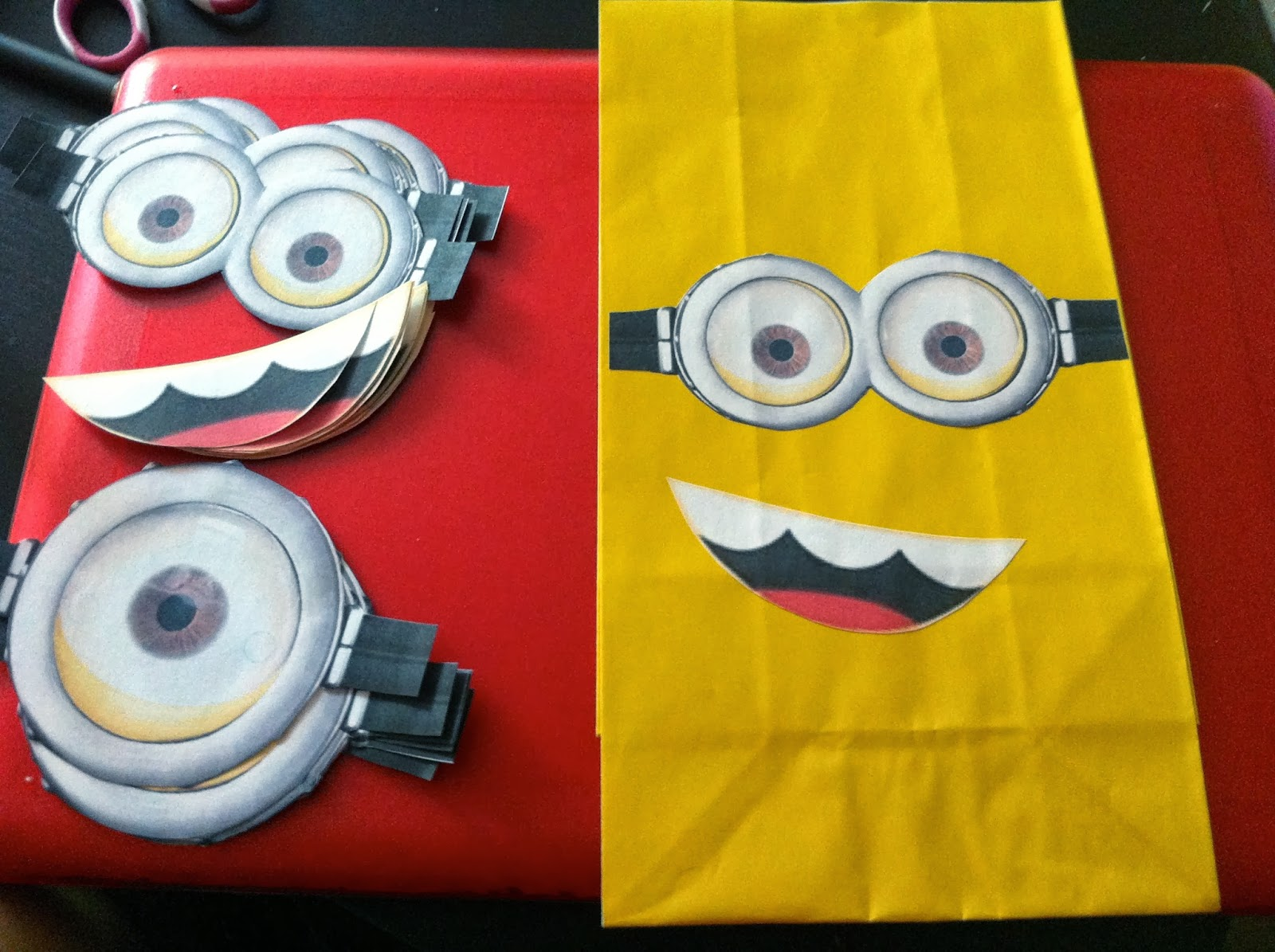 image relating to Minion Mouth Printable named Minion Goggles Template. minion goggles cutout minion lower