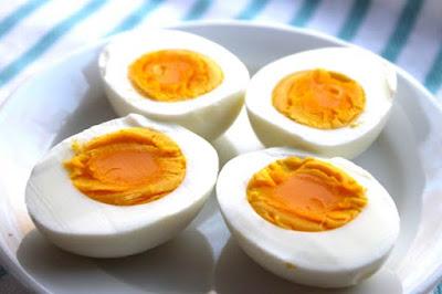 البيض مصدر هام لڨيتامين د
