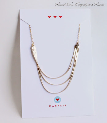 Markkit gold triple threst necklace