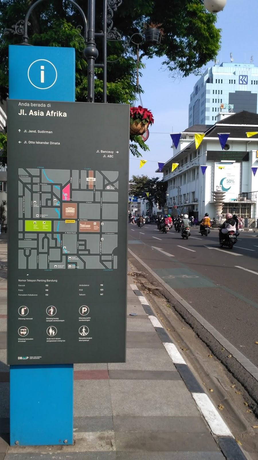 papan jalan asia afrika