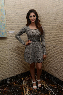 Surabhi at vivo phone launch 003