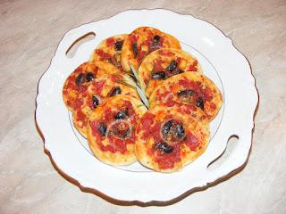 mini pizza, retete pizza, pizzerie, retete de mancare, retete de post, retete culinare, reteta pizza,