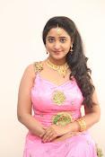aishwarya addala new glam pics-thumbnail-8