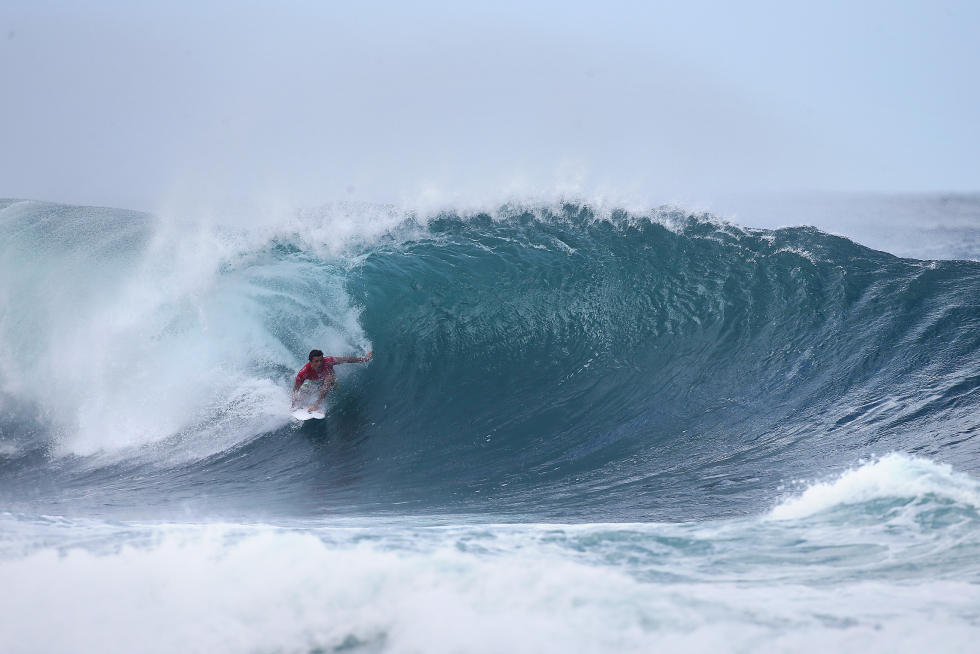 3 Julian Wilson Billabong Pipe Masters Fotos WSL Kelly Cestari