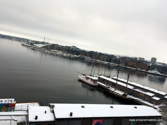 puerto de Oslo y Aker Brygge