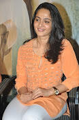 Anushka at Singham 2 Pressmeet-thumbnail-3