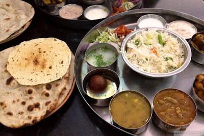 Viiden tähden intialainen thali