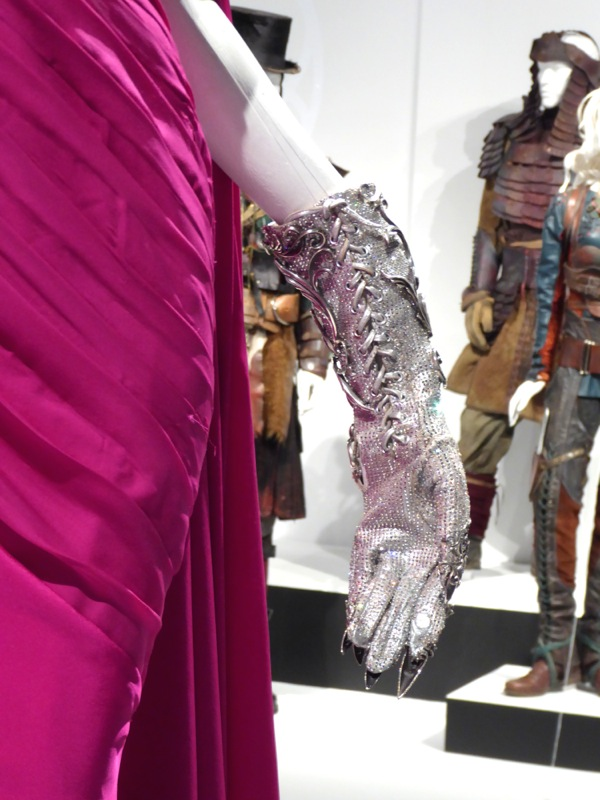 American Horror Story: Hotel Countess glove