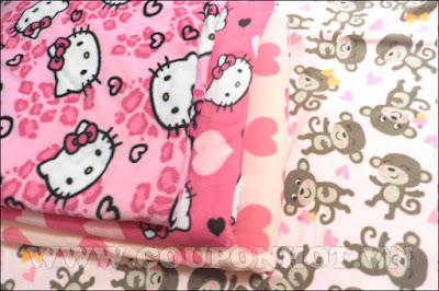 Chăn nỉ hoạt hình mèo Hello Kitty