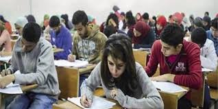 حالات اغماء عقب امتحان الفيزياء والتاريخ بين طلاب الثانوية العامة بمحافظة السويس