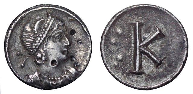 Η Αγία Ελένη σε νόμισμα του Κωνσταντίνου Β΄. Το νόμισμα κόπηκε προς τιμήν της ίδρυσης της Κωνσταντινούπολης.