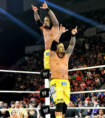 Mattel WWE Usos in Yellow!