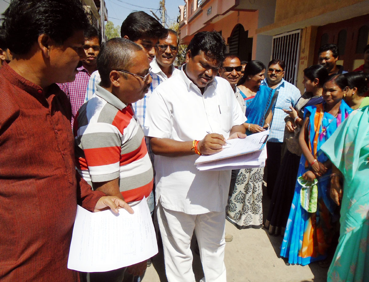 Nagarpalika-innovative-ward-starte-नगरपालिका के अभिनव वार्ड परिक्रमा का श्रीगणेश वार्ड 8 से  हुआ