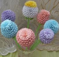 Шарообразные цветы из бумаги