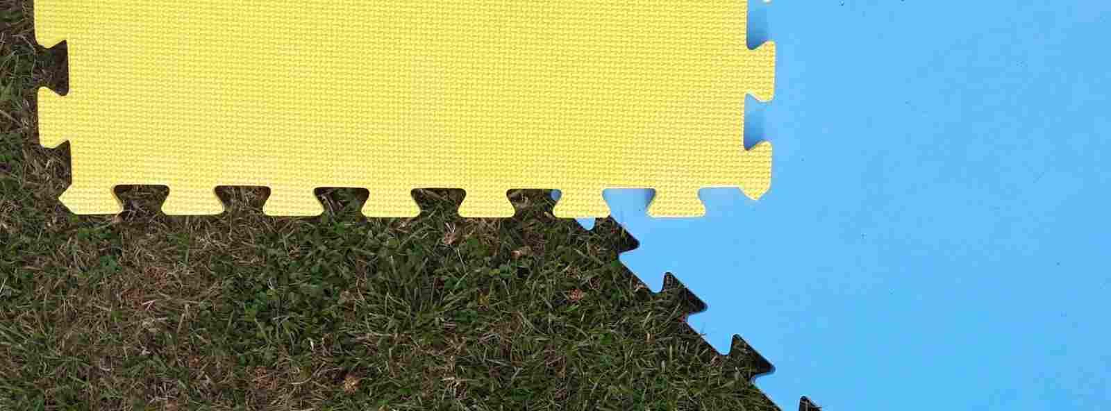 foam mats blue and yellow