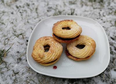 Marzipankringel; Gefüllte Marzipankringel
