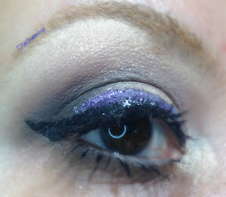 soft_brown_with_purple_glitter_makeup